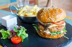 Französischer Burger stockfotografie