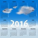 Französischer Kalender für 2016-jähriges mit Wolken Lizenzfreie Stockfotografie