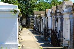 Französischer kolonialkirchhof in New Orleans Stockfotos