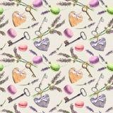 Französischer ländlicher Hintergrund - Lavendel blüht, Makronenkuchen, Weinleseschlüssel, Textilherzen Nahtloses Muster watercolo Stockfotografie