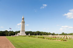 Französischer Militärfriedhof von Notre Dame de Lorette Stockbilder