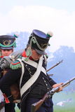 Französischer mittelalterlicher neu ladender Soldat Stockfotos