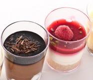 Französischer Nachtisch in einem Glas Stockfoto