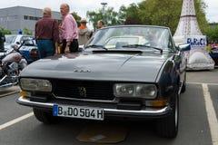 Französisches Auto Peugeot 504 Lizenzfreie Stockfotografie