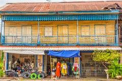 Französisches Kolonialgebäude in Savennakhet, Laos Stockbild