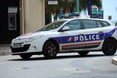 Französisches Polizeiwagen-in das Stadtzentrum schnell fahren lizenzfreies stockfoto