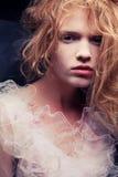 Französisches Prinzessinporträt des Weinleseeinla des schönen Ingwermädchens Lizenzfreie Stockfotografie