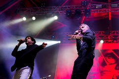 Franz Ferdinand e le scintille, legano anche conosciuto come FFS, di concerto al festival FIB Fotografia Stock