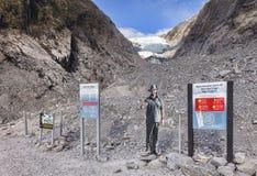 Franz Josef Glacier Warning Sign royaltyfri foto