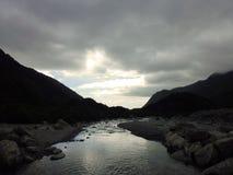 Franz Josef-Tal mit dunklen Wolken Lizenzfreies Stockbild