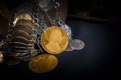 Franz Joseph I, Austro-Hungarian gouden dukaten vanaf 1915 met zilveren juwelen Royalty-vrije Stock Foto's