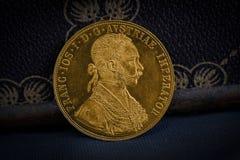 Franz Joseph I, Austro-ungarischer goldener Dukat ab 1915 - beteuert Stockbild