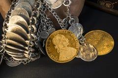 Franz Joseph Ja, austro-węgierski złoci dukaty od 1915 z srebnym jewellery Obrazy Stock