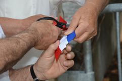 Franz?sische Band Einweihung geschnitten mit einer Schere stockbild