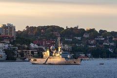 Franz?sische Marine-Marine Nationale-Fregatte FNS Vendemiaire F734 in Sydney Harbor lizenzfreie stockfotos