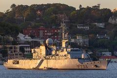 Franz?sische Marine-Marine Nationale-Fregatte FNS Vendemiaire F734 in Sydney Harbor lizenzfreies stockfoto