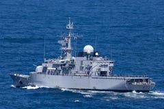 Franz?sische Marine-Marine Nationale-Fregatte FNS Vendemiaire F734 in Sydney Harbor stockfotografie