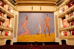 Franz West Safety Curtain, teatro da ópera de Viena, Áustria imagens de stock royalty free