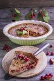 Franzose-Cherry Clafoutis-Kuchen Lizenzfreie Stockfotos