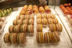 Franzosen Macarons in Paris lizenzfreie stockfotografie