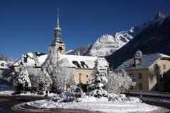 Französische Dorfkirche Stockfotos