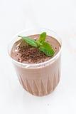Frappé in un vetro, primo piano del cioccolato immagini stock libere da diritti
