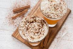 Frappuccino da especiaria da abóbora com chantiliy Fotografia de Stock Royalty Free
