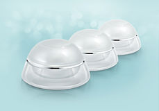Frasco cosmético arredondado branco no brilho Imagem de Stock Royalty Free