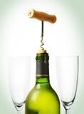 Frasco da abertura do vinho Imagens de Stock