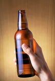Frasco da cerveja com gotas foto de stock royalty free
