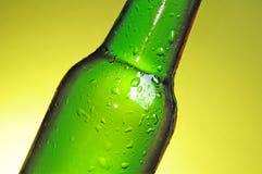 Frasco de cerveja verde Fotos de Stock Royalty Free
