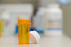 Frasco de la farmacia vacío Imagenes de archivo