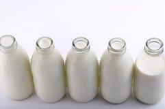Frasco de leite imagens de stock royalty free