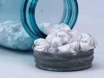 Frasco de vidro azul Fotografia de Stock Royalty Free
