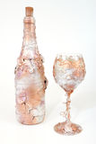 Frasco decorativo do vinho e do wineglasse Fotos de Stock Royalty Free