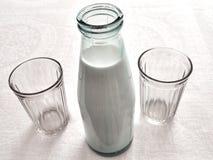 Frasco do leite Imagem de Stock Royalty Free