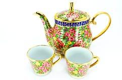 Frasco e dois do copo de chá tailandês Imagem de Stock Royalty Free