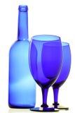 Frasco e vidros azuis foto de stock