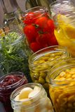 Frascos com vário alimento preservado Fotografia de Stock Royalty Free