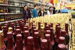 Frascos de Champagne com diversas etiquetas Imagens de Stock
