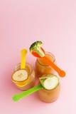 Frascos de vidro do comida para bebê Fotografia de Stock Royalty Free