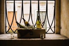 Frascos de vinho velhos Fotos de Stock