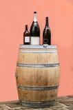 Frascos do barril e de vinho Imagens de Stock