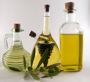 Frascos do petróleo verde-oliva/vinagre Imagens de Stock
