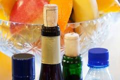 Frascos do vinho e da água Fotos de Stock