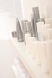Frascos dos cosméticos do cuidado do cabelo e do corpo Foto de Stock Royalty Free