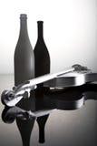 Frascos e violino Imagem de Stock