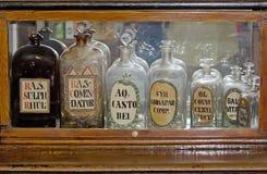 Frascos farmacêuticos vazios Imagens de Stock Royalty Free