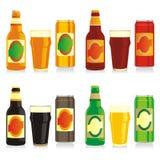 Frascos, latas e vidros diferentes isolados de cerveja Fotografia de Stock Royalty Free