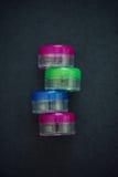 Frascos transparentes pequenos dos cosméticos vazios Imagens de Stock Royalty Free